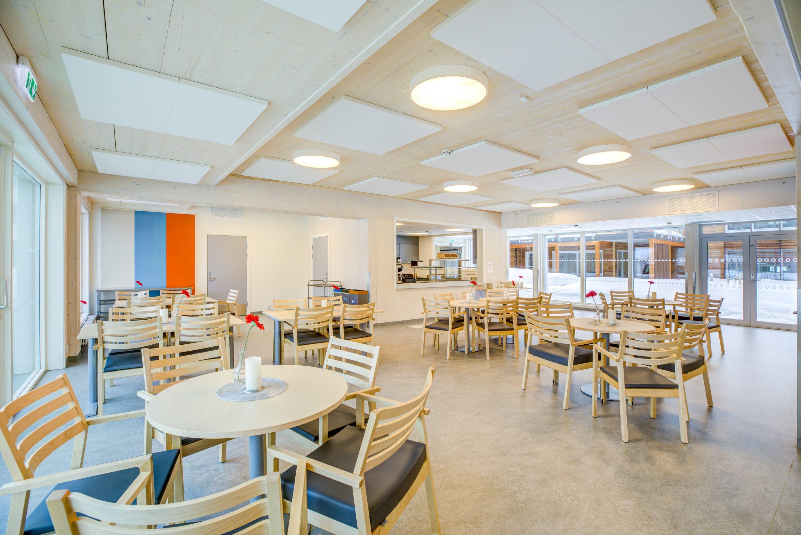 Foto fra et kafé-lignende interiør